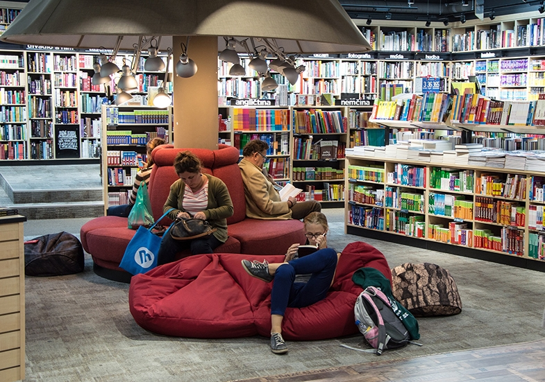 As Lucy's mother said, visiting bookshops together can be a pleasure.